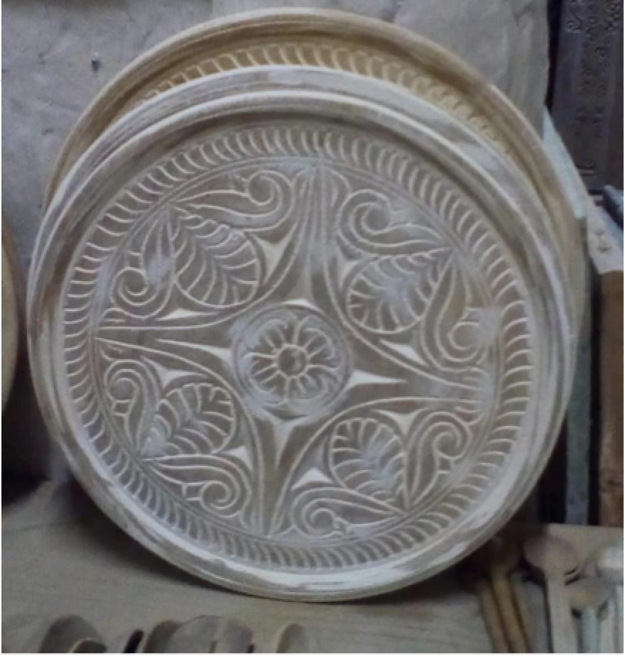 #C1 Carved wooden tray: 1ft $35 (3,500 Ksh)